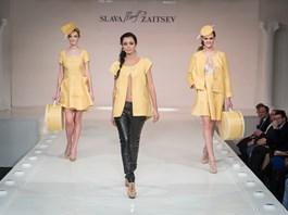 Kloboukovky Kazeto na módním mole s kolekcí Beaty Rajské v Moskvě