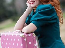 Nýtovaný kufr růžový s puníkem